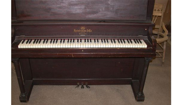 upright piano keyboard